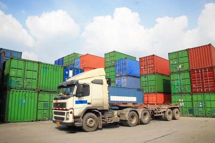Szkolenie Transport i spedycja krajowa/międzynarodowa – warunki dostaw INCOTERMS 2020 oraz przewozy drogowe i morskie